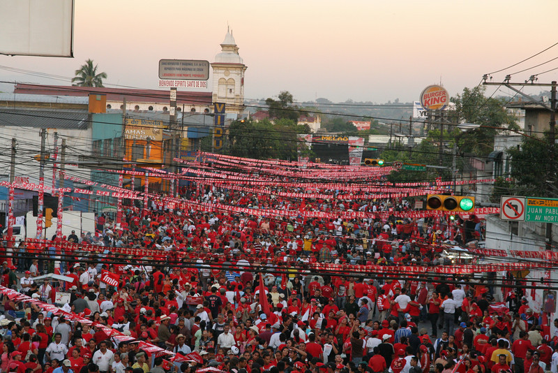 The crowd at the FMLN Closing of The Campaign rally stretch into the distance the weekend before the March 15th, Salvadoran Presidental elections between Leftist FMLN (Farabundo Martí National Liberation Front) candidate Mauricio Funes and right-wing ARENA (Republican National Alliance) candidate Rodrigo Avila. The papers estimated over 250,000 FMLN supports were at the rally, in contrast to the 70,000 which attended the equivalent ARENA event held the day after.   On election day, millions of Salvadorans lined up for their turn to vote in arguably the most contested and historically important elections in Salvadoron history.  By 8.30pm election night, it was apparent that Funes of the FMLN, the 1980s armed-leftist-guerrilla-group-turned-political-party, had won.  El Salvador will be governed by a leftist government for the first time in history starting June 1st, and for the first time, Salvadorans will have a peaceful, democratic transfer of power.