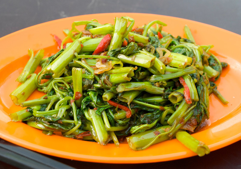 I'm pretty sure this is kangkong, a water spinach. Excellent dish!<br /> <br /> Kuala Lumpur, Malaysia