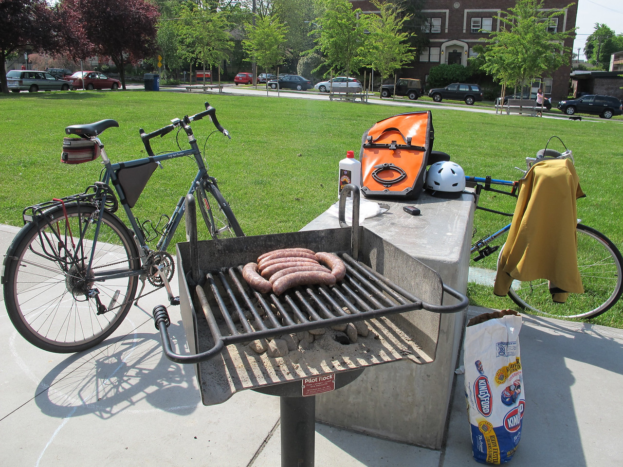 Sunday, June 12, 2011. We cycled to a close-by park and bbq'd boerewors for breakfast.