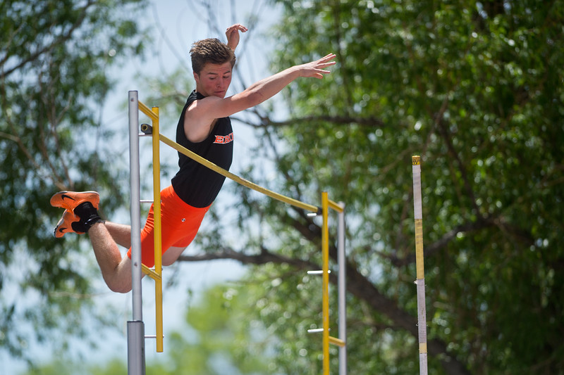 "Erie High School's Devon Hansen competes in the boys 4A pole vault during the Track and Field State Championships at Jefferson County Stadium in Lakewood on Saturday.<br /> More photos:  <a href=""http://www.BoCoPreps.com"">http://www.BoCoPreps.com</a><br /> Autumn Parry/Staff Photographer<br /> May 21, 2016"