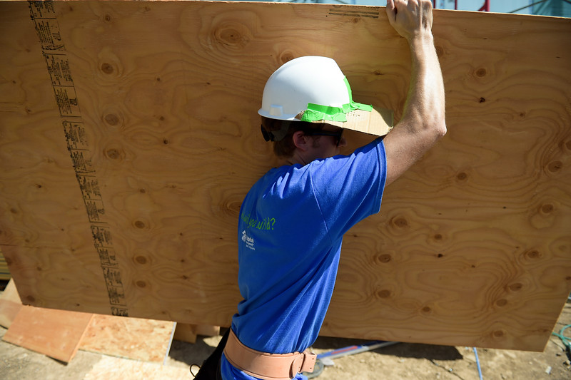 AMERICORPS HABITAT FOR HUMANITY