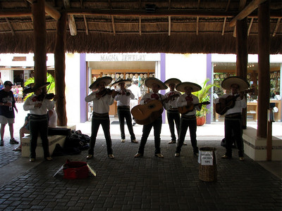 A real live mariachi band!