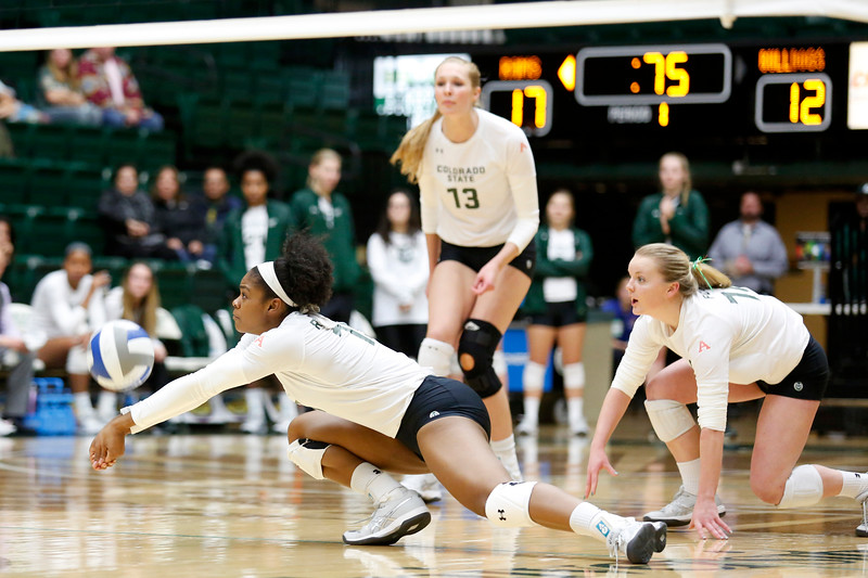 CSU's Breana Runnels (15) dives to keep the ball in play against Fresno State on Wednesday, Nov. 15, 2017 at the McGraw Athletic Center in Fort Collins. (Photo by Lauren Cordova/Loveland Reporter-Herald)