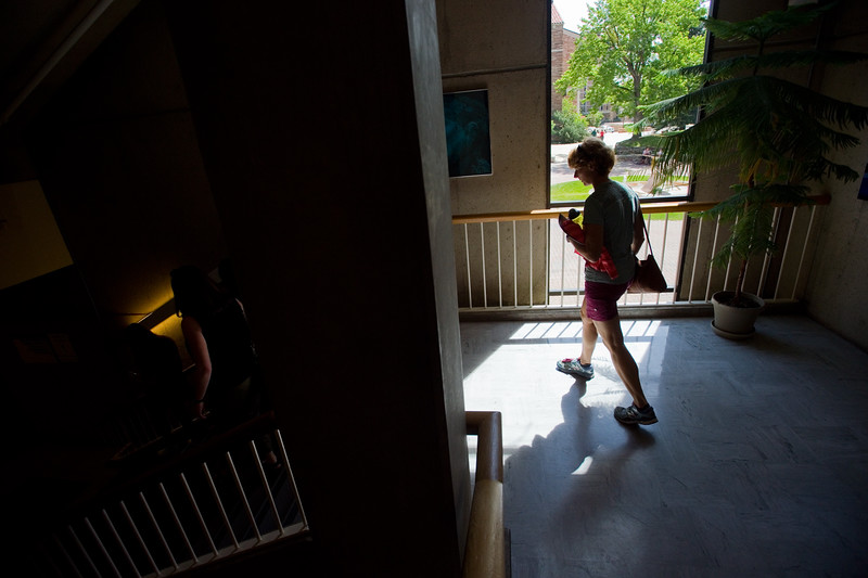 "Belinda Blair walks through the Norlin Library as she and her son Austin Blair tour CU Boulder on Friday.<br /> More photos:  <a href=""http://www.dailycamera.com"">http://www.dailycamera.com</a><br /> Autumn Parry/Staff Photographer<br /> June 3, 2016"