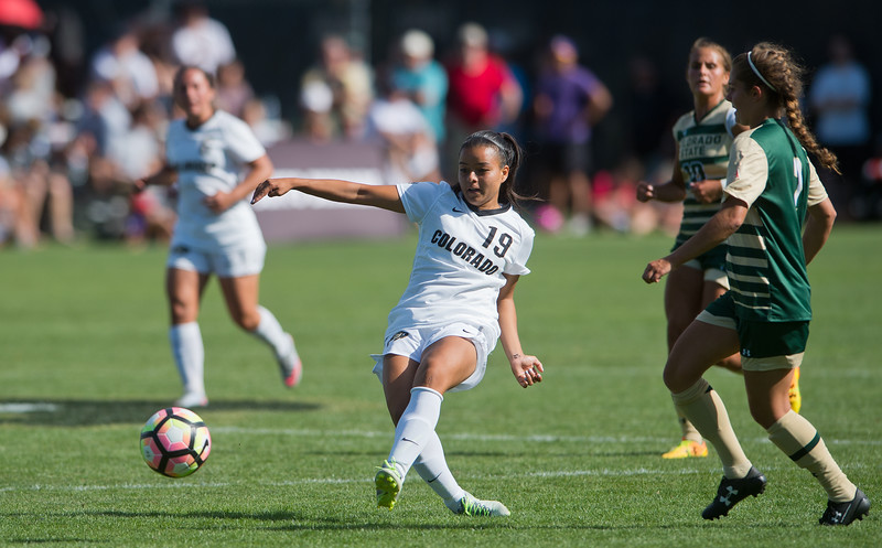 "CU's Stephanie Zuniga passes the ball to a teammate during the soccer game at Prentup Field at CU Boulder on Sunday. CU Boulder defeated CSU 2-1.<br /> More photos:  <a href=""http://www.buffzone.com"">http://www.buffzone.com</a><br /> (Autumn Parry/Staff Photographer)<br /> August 21, 2016"
