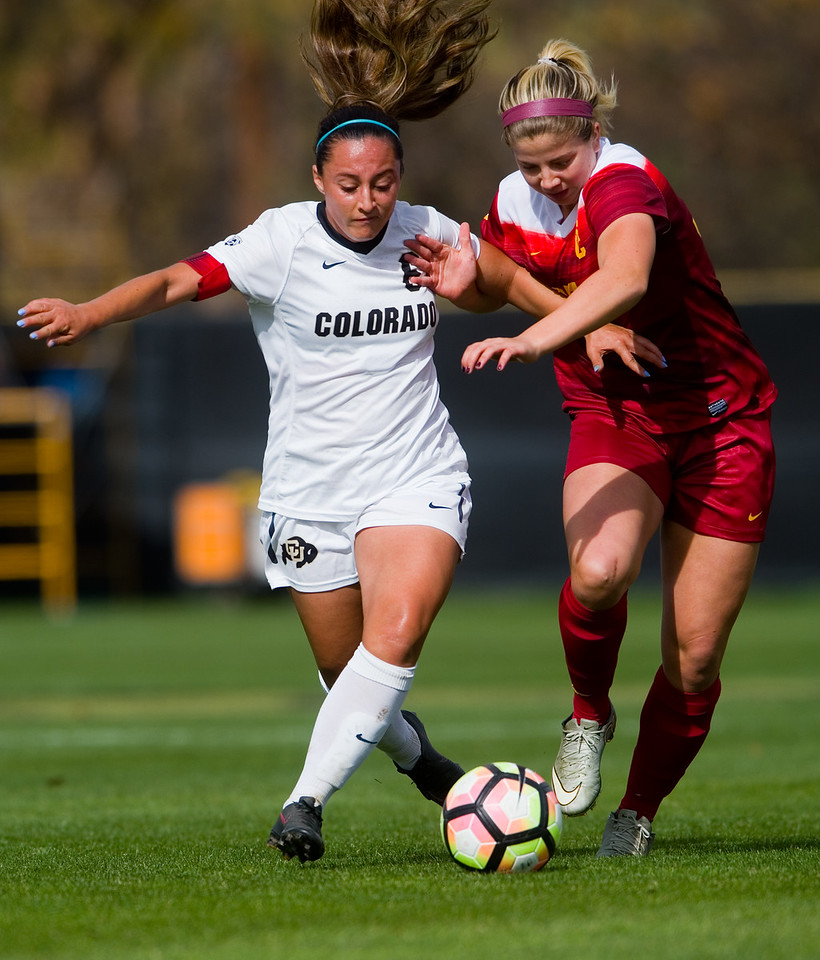 "CU's Morgan Stanton tries to keep the ball from Southern California's Leah Pruitt during the game in Prentup Field at CU Boulder on Sunday. <br /> More photos:  <a href=""http://www.buffzone.com"">http://www.buffzone.com</a><br /> (Autumn Parry/Staff Photographer)<br /> October 30, 2016"