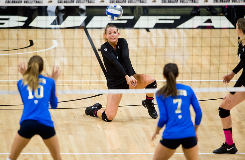 "CU's Alexa Smith makes a save during the game against UCLA in the Coors Event Center at CU Boulder on Sunday.<br /> More photos:  <a href=""http://www.buffzone.com"">http://www.buffzone.com</a><br /> (Autumn Parry/Staff Photographer)<br /> October 2, 2016"