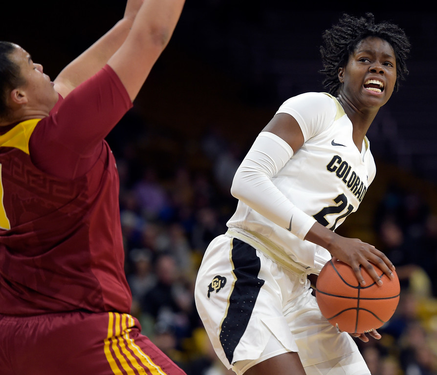 . BOULDER, CO - FEBRUARY 10: The University of Colorado\'s Mya Hollingshed is covered by the University of Southern California\'s Kayla Overbeck in the first quarter February 10, 2019. To view more photos visit buffzone.com. (Photo by Lewis Geyer/Staff Photographer)