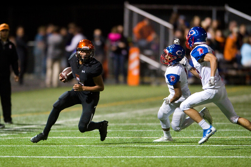 "Erie's running back Noah Roper runs the ball down the field during the game at Erie High School on Friday.<br /> More photos:  <a href=""http://www.BoCoPreps.com"">http://www.BoCoPreps.com</a><br /> (Autumn Parry/Staff Photographer)<br /> September 23, 2016"