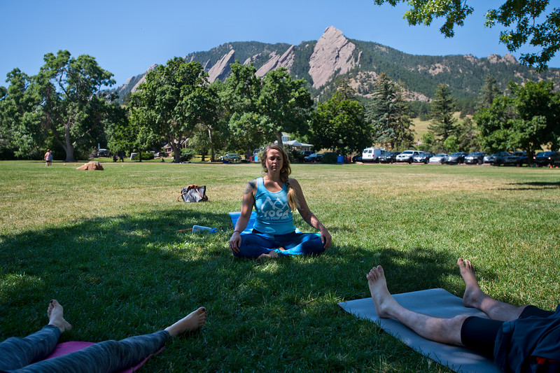 "Renee Rodgers, an instructor with Everest Healing Yoga, leads a yoga class in Chautauqua Park on Thursday. <br /> More photos:  <a href=""http://www.dailycamera.com"">http://www.dailycamera.com</a><br /> (Autumn Parry/Staff Photographer)<br /> July 14, 2016"