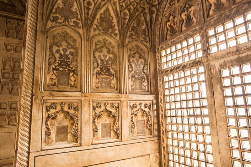 Window, Agra Fort, India