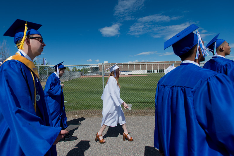 "Seniors head to Everly Montgomery Field for graduation at Longmont High School on Saturday.<br /> More photos:  <a href=""http://www.dailycamera.com"">http://www.dailycamera.com</a><br /> (Autumn Parry/Staff Photographer)<br /> May 28, 2016"