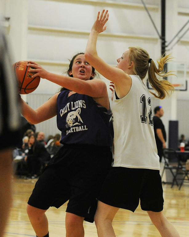 . Mountain View\'s Laura Lenhart makes a post move during a scrimmage at Power to Play Sports.