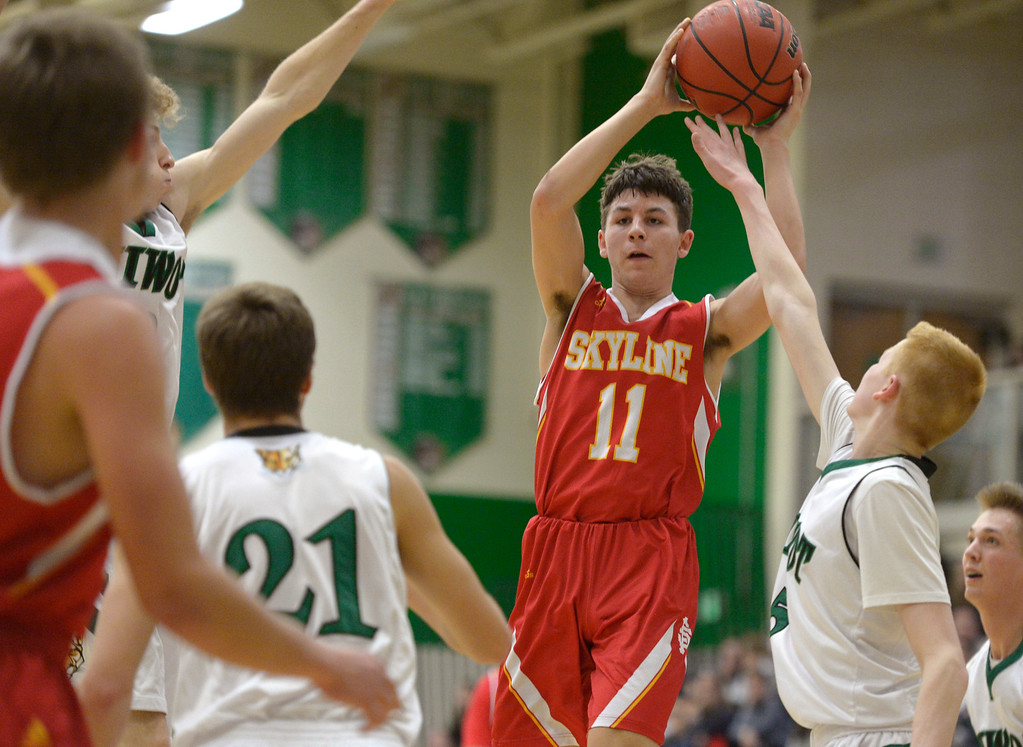 . NIWOT, CO - DECEMBER 11: Skyline\'s Gage Robertson passes the ball against Niwot in the fourth quarter at Niwot High School December 11, 2018. Skyline won 58-39. To view more photos visit bocopreps.com.(Photo by Lewis Geyer/Staff Photographer)
