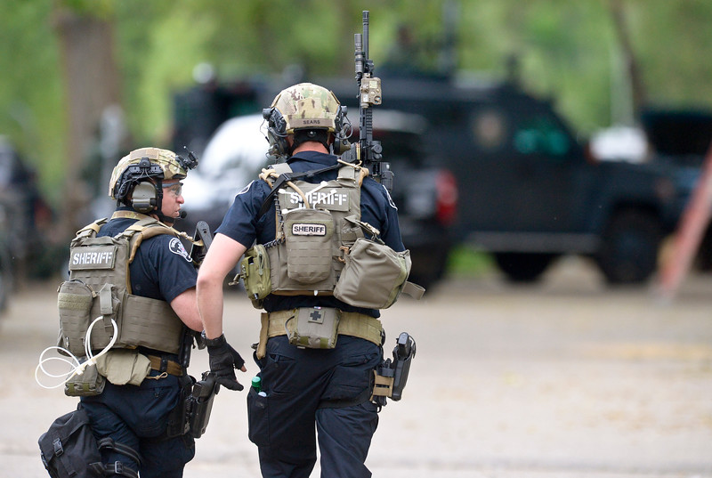 SWAT officers unable to locate suspect at Longmont mobile home park ...
