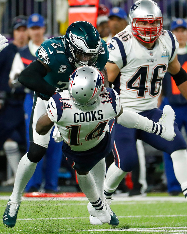 . Philadelphia Eagles\' Malcolm Jenkins, top, hits New England Patriots\' Brandin Cooks during the first half of the NFL Super Bowl 52 football game Sunday, Feb. 4, 2018, in Minneapolis. (AP Photo/Matt York)