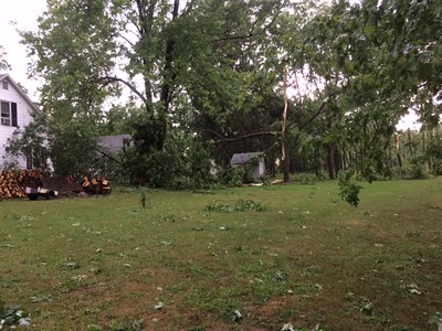 Myron and Gayle Peebles shared this image taken at their home at  1476 W Elm St. in Oneida.