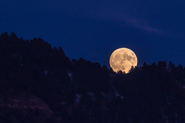 Moon Rise over Lookout Mountain