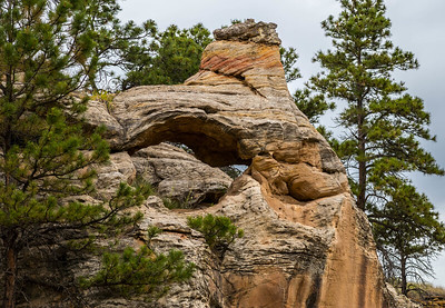 Arch in Red Canyon near Edgemont