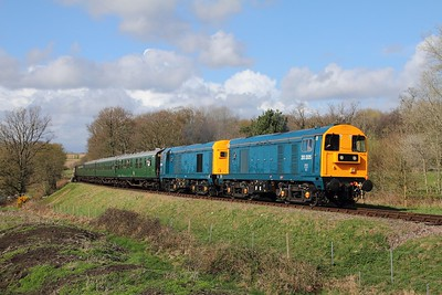 20205+20189 on the 1445 East Grinstead to Sheffield Park at Freshfield on the 1st April 2017