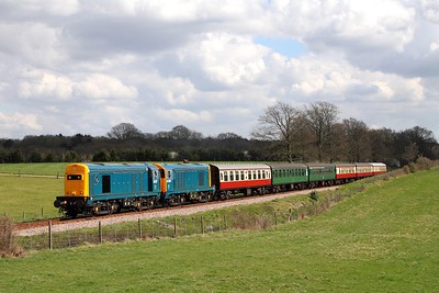 20205+20189 on the 1330 Sheffield Park to East Grinstead at Freshfield on the 2nd April 2017