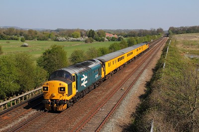 37025 tnt 37116 on the 1Q79 Tonbridge to Derby RTC returns from Sevington at Otford junction on the 8th April 2017