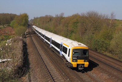 465916+466038 on the 2N28 1052 London Victoria to Ashford International at Swanley on the 8th April 2017