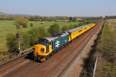 37025 tnt 37116 on the 1Q79 Tonbridge to Derby RTC returns from Sevington at Otford junction on the 8th April 2017 1