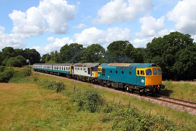 33201+33063 on the 2T10 1200 Eridge to Tunbridge Wells departing Groombridge on the 6th August 2017