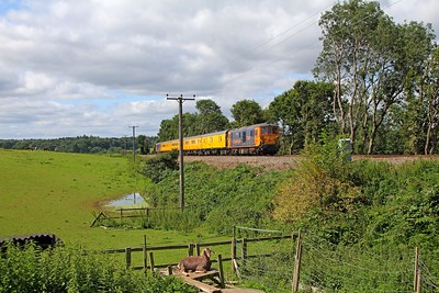73964 tnt 73961 on the 1Q69 Hither Green to Cricklewood at Albury Heath, Guildford on the 12th August 2017 edited
