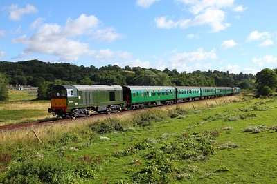 D8059 tnt 5518 on 2J03 0840 Tunbridge Wells west to Eridge at Pokehill farm on the 4th August 2017