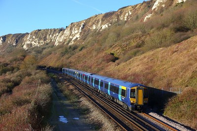 375903+375901 on the 2R20 0840 London Charing Cross to Dover Priory at Capel le Ferne on the 9th December 2017
