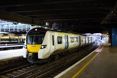 700003 arrives at London Victoria with the 2B53 Sevenoaks to London Victoria on the 23rd December 2017