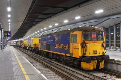 73212 tnt 73141 on the 3Y90 2042 London Bridge to Tonbridge West yard at London Bridge on the 12th February 2017