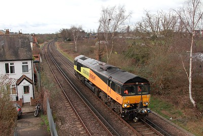66848 0C01 Eastleigh East Yard to Eastleigh East Yard via Reading and Waterloo at Twickenham junction on the 28th Feb 17