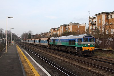 59002 on the 7O68 Acton yard to Purley at Kensington Olympia on the 27th January 2017