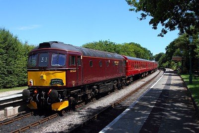 33025 tnt 33012 on the 2Z13 1319 Wareham to Swanage at Harmans Cross on the 9th July 2017