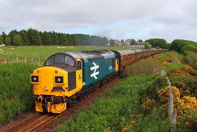 37025 tnt 37421 on the 1Z38 Thurso to Wick departing Thurso on the 3rd June 2017