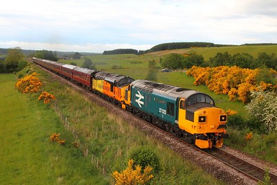 37025+37421 on the 1Z39 Wick to Edinburgh at Culloden on the 3rd June 2017
