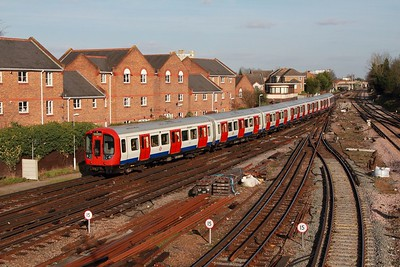 21518 arriving at Richmond with a district line service on the 2nd March 2017 1