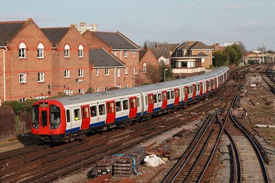 21427 departing Richmond with the 2O05 1323 Upminster to Upminster via Richmond District line train on the 2nd March 2017