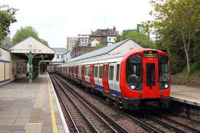 21335 on a Barking district line service at West Kensington on the 7th May 2017