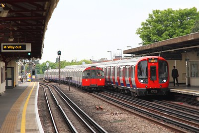 21530 on an eastbound District line service at Stamford Brook on the 7th May 2017