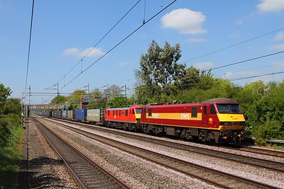 90028+90036 on the 4M25 Mossend to Daventry at Cathiron on the 10th May 2017