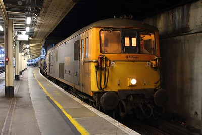 73136 tnt 73128 on the 3W75 1522 Tonbridge West yard circular at London Victoria on the 2nd November 2017.