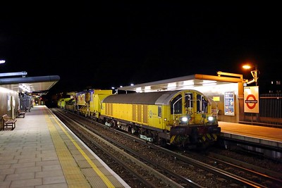 L26 tnt L28 with the 2006 Ruislip depot to Baker Street at Ruislip Manor on the 12th November 2017
