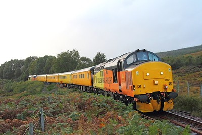 37421 tnt 37219 on the 1Q78 Inverness to Inverness via Kyle of Lochalsh at Loch Achanalt heading back to Inverness on the 1st October 2017