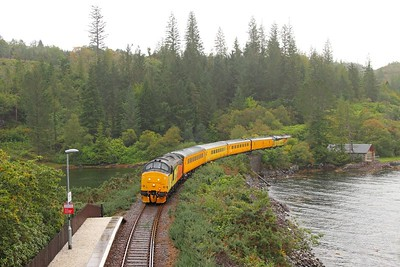 37421 tnt 37219 on the 1Q78 Inverness to Inverness via Kyle of Lochalsh at Duncraig halt on the 1st October 2017