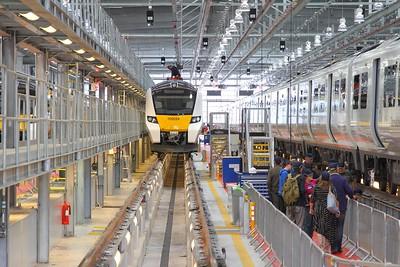 700024 at Three Bridges on the 14th October 2017 1