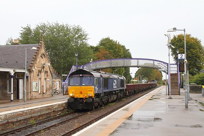 66422 tnt 66423 at Nairn on the 6K50 Elgin to Mossend on the 1st October 2017 2